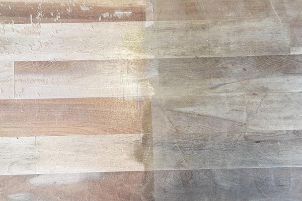 色が変わる?無垢床は色の変化を見越して選ぶ